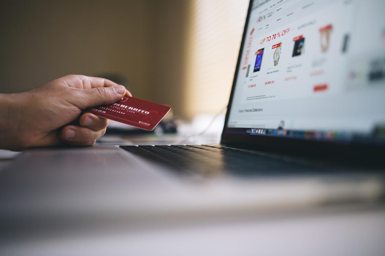 Nakupovanie cez internet - platba kartou