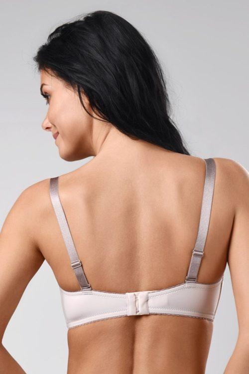 f3ec87137 Košíčky majú všité kostice a výstuž z kvalitnej penovej hmoty. Sú  potiahnuté elastickým mikrovláknom, v strede ich zdobí mašlička a jemný  kamienok.